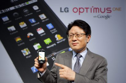 Dr. Skott Ahn, president and CEO of LG Electronics Mobile Communications Company, shows off the LG Optimus One.