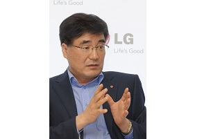 Havis Kwon, president and chief executive officer (CEO) of LG Home Entertainment Company, speaks at IFA 2011