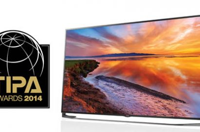 Logo of the Technical Image Press Association Awards next to LG's 21:9 UltraWide monitor, which was crowned the Best Photo Monitor.