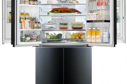 LG double Door-in-Door™ refrigerator with four doors including Door-in-Door™ parts on the top opened