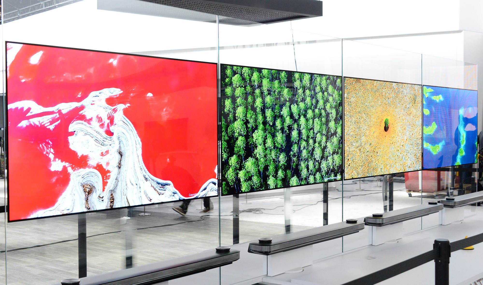 The LG SIGNATURE OLED TV W CES 2017 installation while moved to fit side-by-side