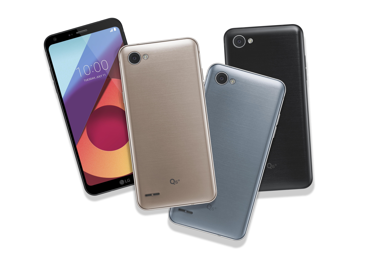 The front and back view of the LG Q6α in Astro Black, Ice Platinum and Terra Gold