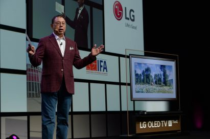 LG Electronics chief executive officer, Jo Seong-jin, delivers the keynote address.