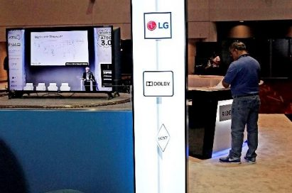 A front view of LG's double-sided 86-inch Ultra Stretch display which can be placed in a vertical pillar shape.