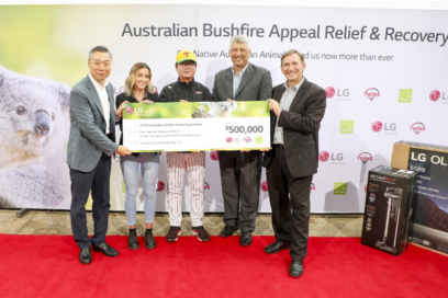 LG Australia's managing director and representatives of WIRES pose with a cheque for $500,000 Australian dollars