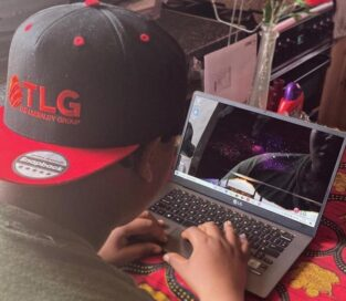 A student uses his new LG gram to join a workshop from his home and help develop a campaign for LG's products