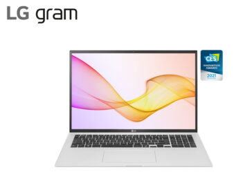 LG gram in silver with its stylish new design beside the CES 2021 Innovation Awards Honoree logo